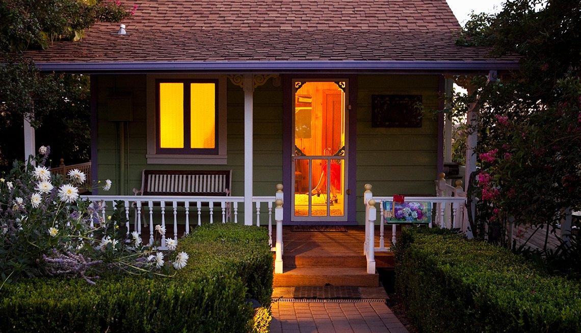 Cottage, Front Porch, Evening, Livable Communities