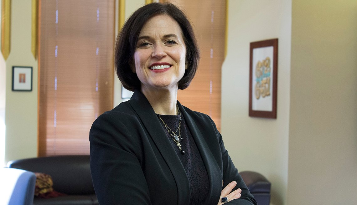 Portrait, Arms Crossed, Smile, Woman, Mayor, Betsy Hodges, Minneapolis, Interview, Livable Communities