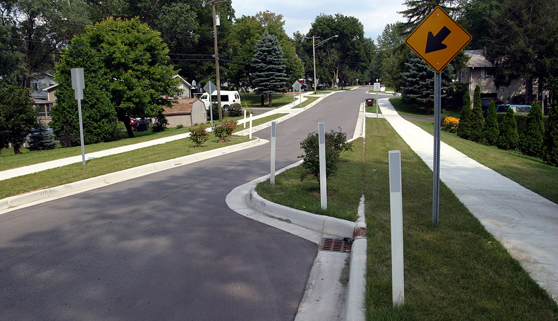 Chicane, Neighborhood, Street, Street Sign, Livability Index, Livable Communities