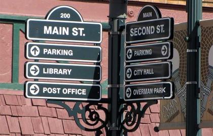 Wayfinding signage in Cedar Falls, Iowa