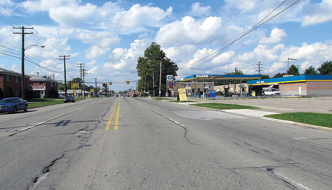 Michigan Detroit, Before Photo, Road, Suburban Street, Wide Street, Convenience Store, Livable Communities