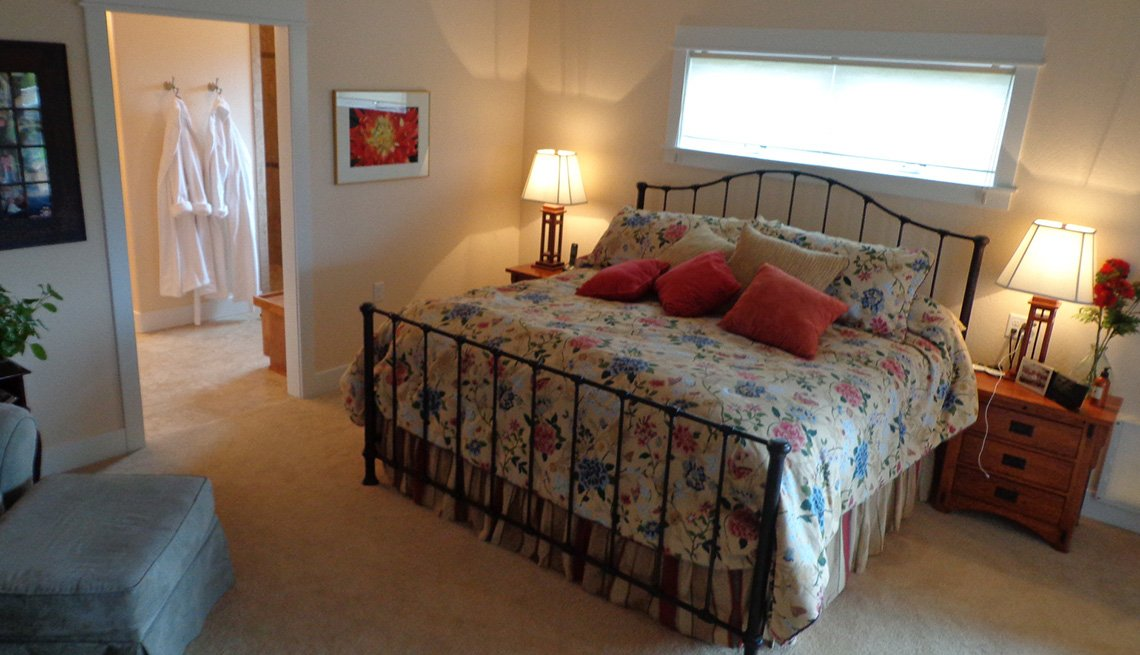 Bedroom Interior, Bed, Closet, Oregon, Lifelong Home, Livable Communities
