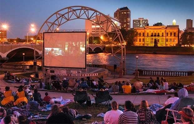 Outdoor movie in Des Moine, Iowa