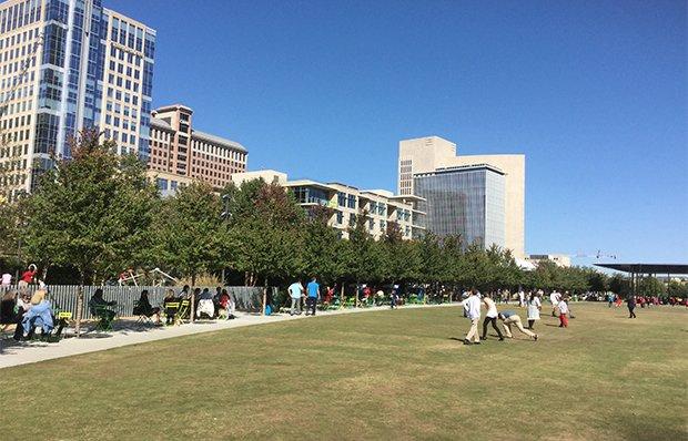 Klyde Warren Park, Dallas, Texas