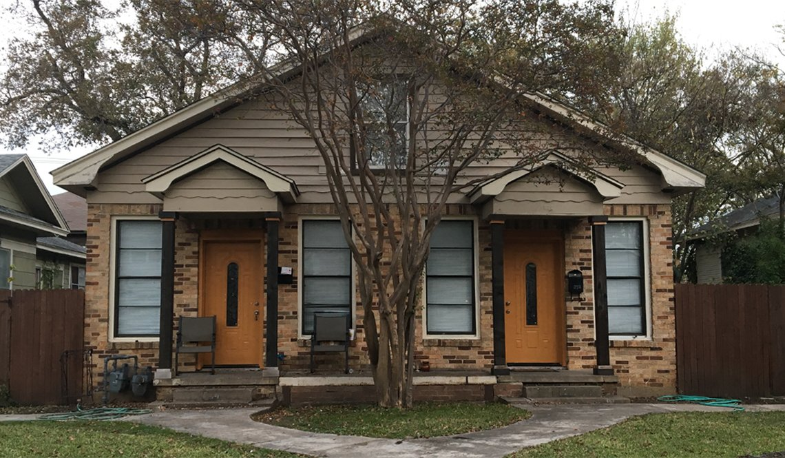 A duplex cottage in the Bishop Arts neighborhood of Dallas, Texas