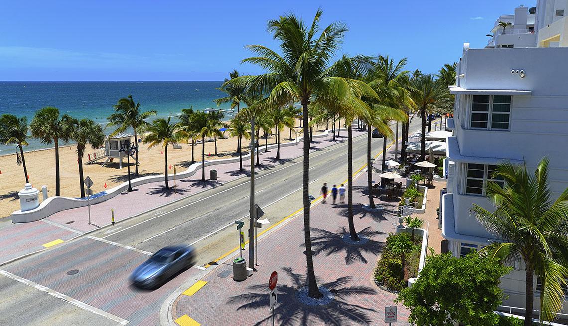Florida, Street, Car, Pedestrians Sidewalk, Beach, Florida Complete Streets Implementation Plan, AARP Livable Communities