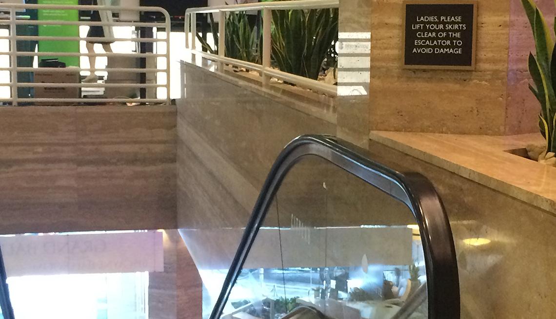 Miami escalator warning, Signs that Say So Much.