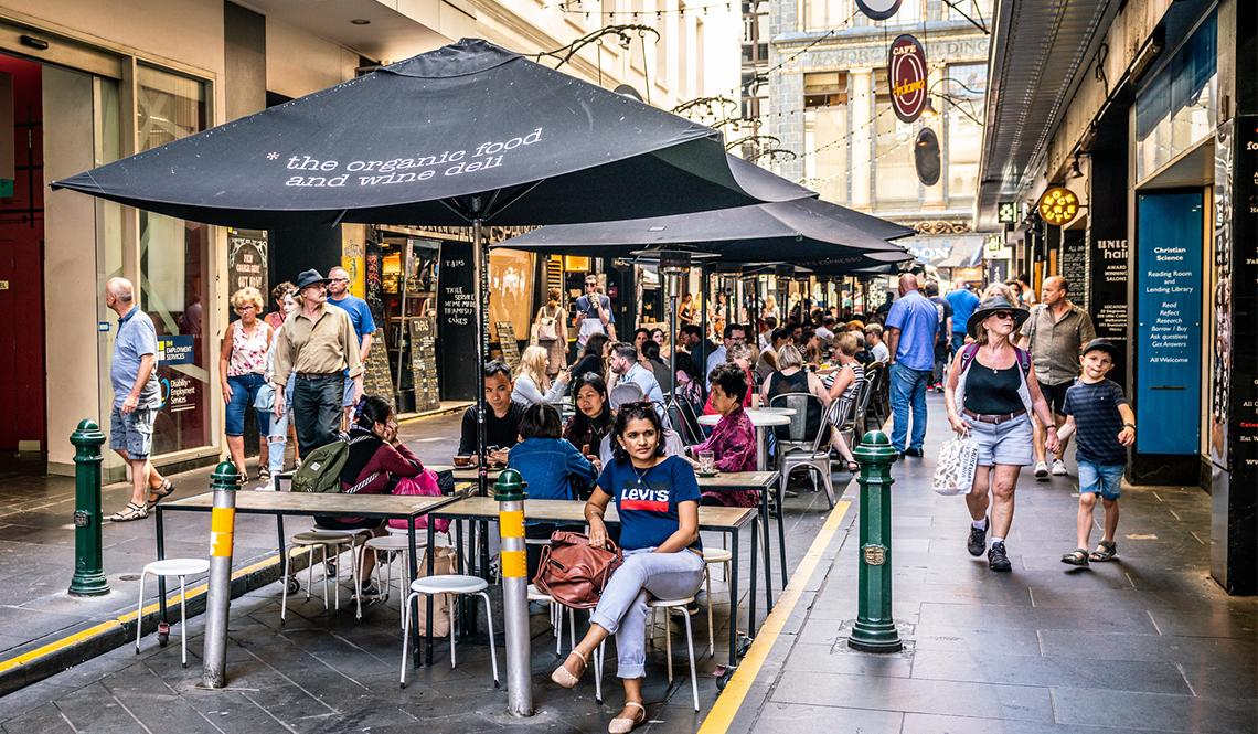Outdoor street dining in Melbourne, Australia