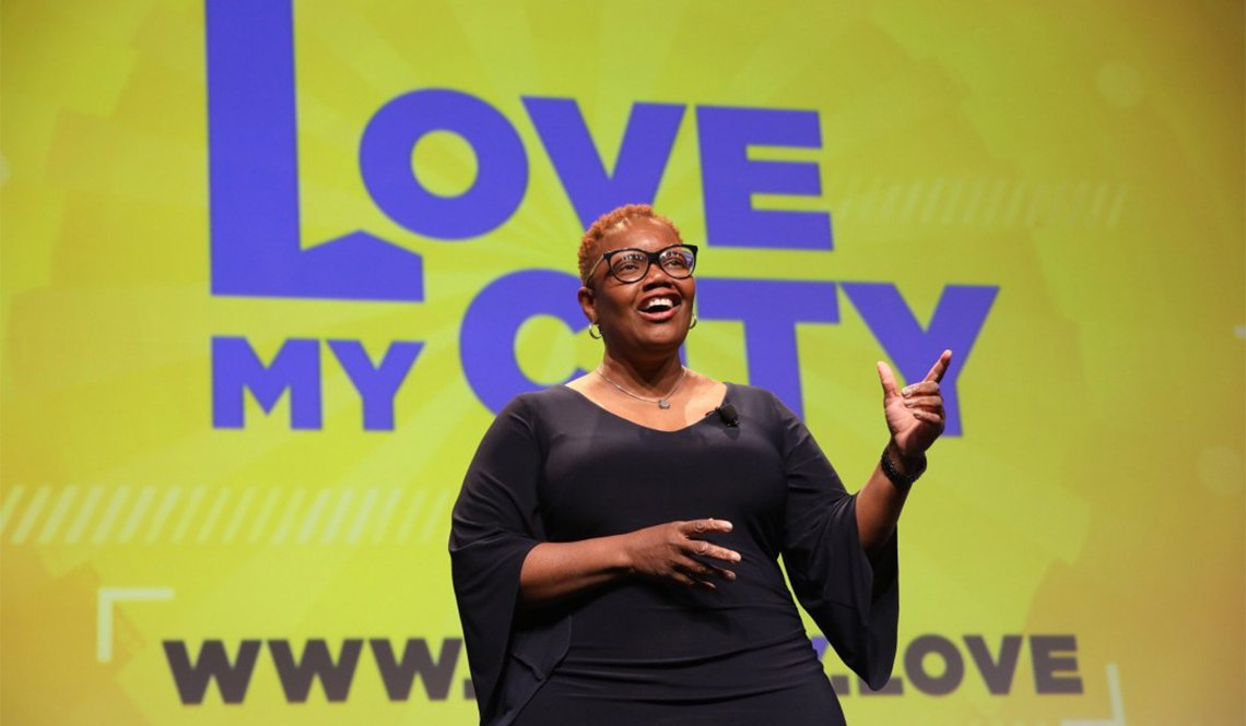 Mayor Karen Freeman-Wilson of Gary, Indiana, presents the National League of Cities' Love My City initiative