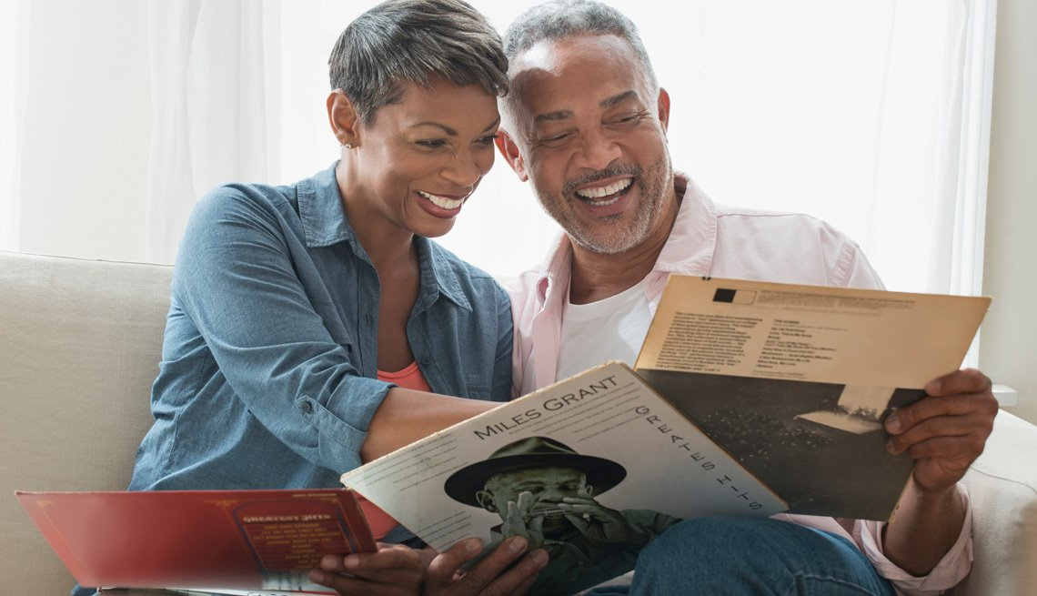 couple looking at vinyl records
