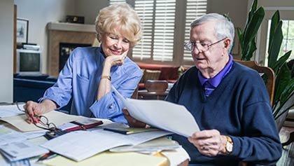 María Kreutzer y su marido, Dick, utilizan los ahorros de jubilación para la educación universitaria de sus hijos