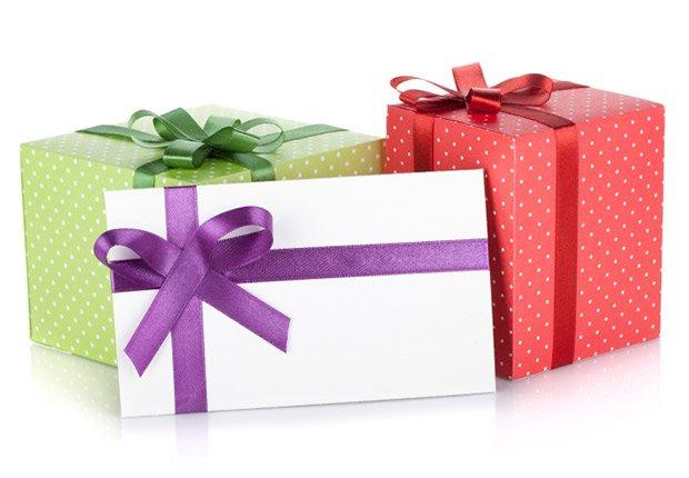 Cajas de regalos, regalos de cumpleaños y ofertas