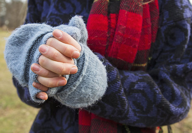 Cheapest ways to stay warm this winter, glittens