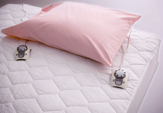 Cheapest ways to stay warm this winter, Heated Mattress Pad