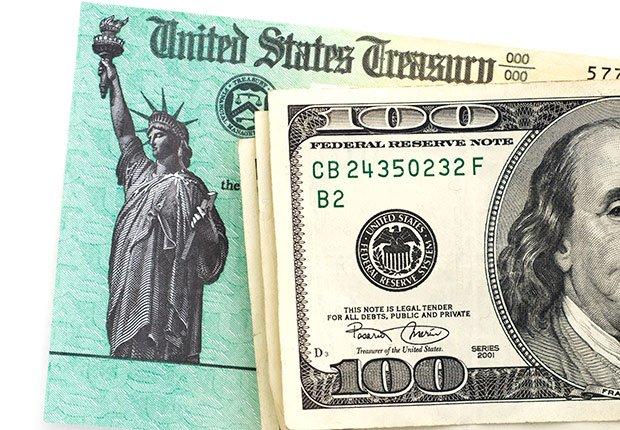 Dinero, impuestos  - Las mejoras ofertas que no ocurren en días feriados.