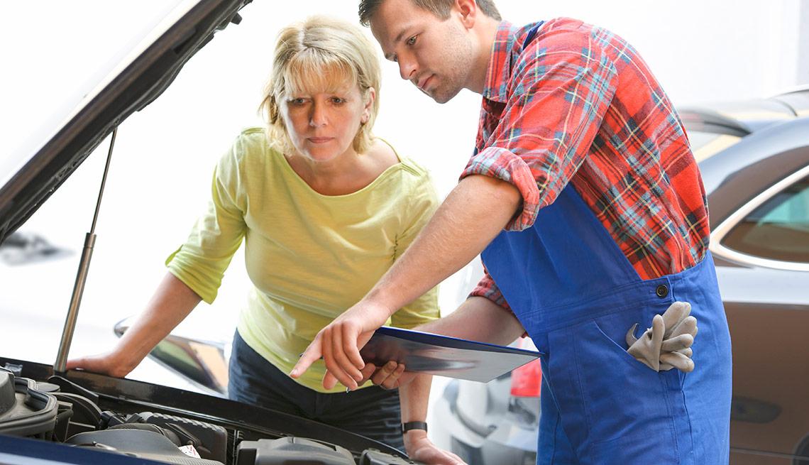 Descuentos en reparación de autos para adultos mayores