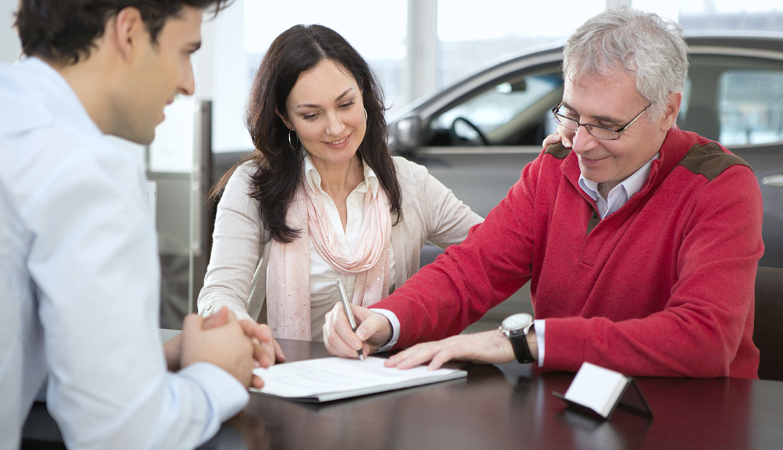 11 Items With Hidden Costs - Leasing a Car