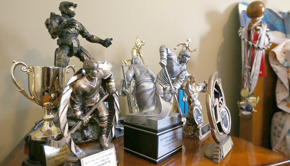 Trofeos, figuras decorativas - Formas de reducir tu espacio