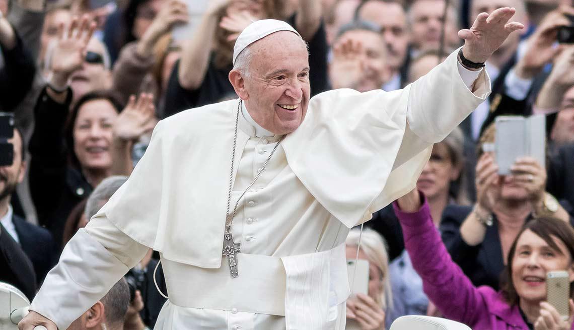 Papa Francisco - Salarios de los famosos