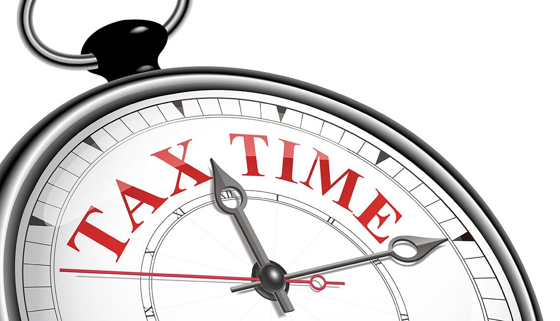 tax time concept clock, Last-Minute Tax Moves You Need to Know
