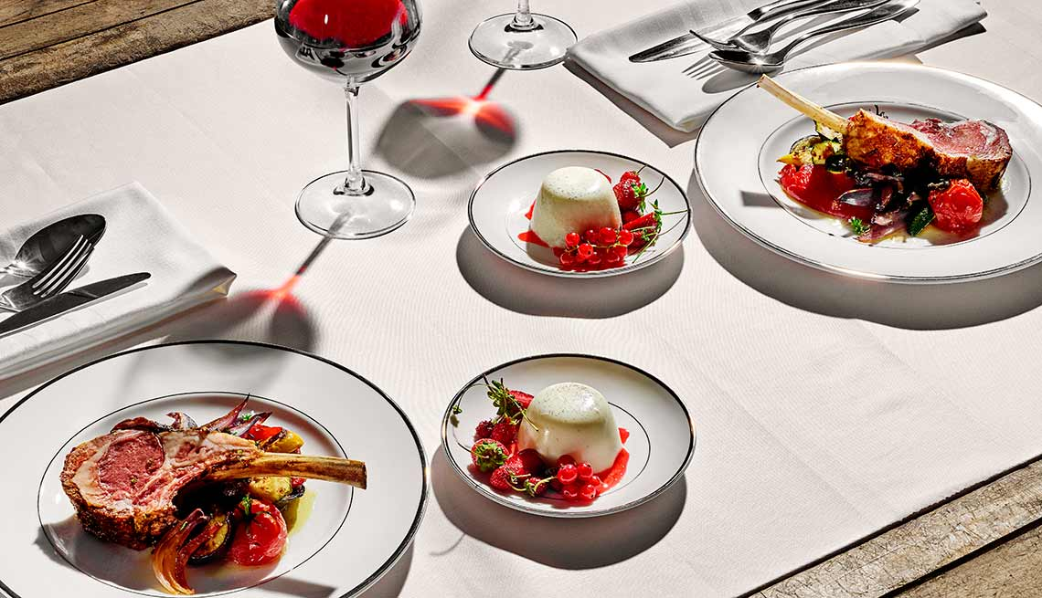 You don¹t need a pricey five-star restaurant to add spice to a relationship.