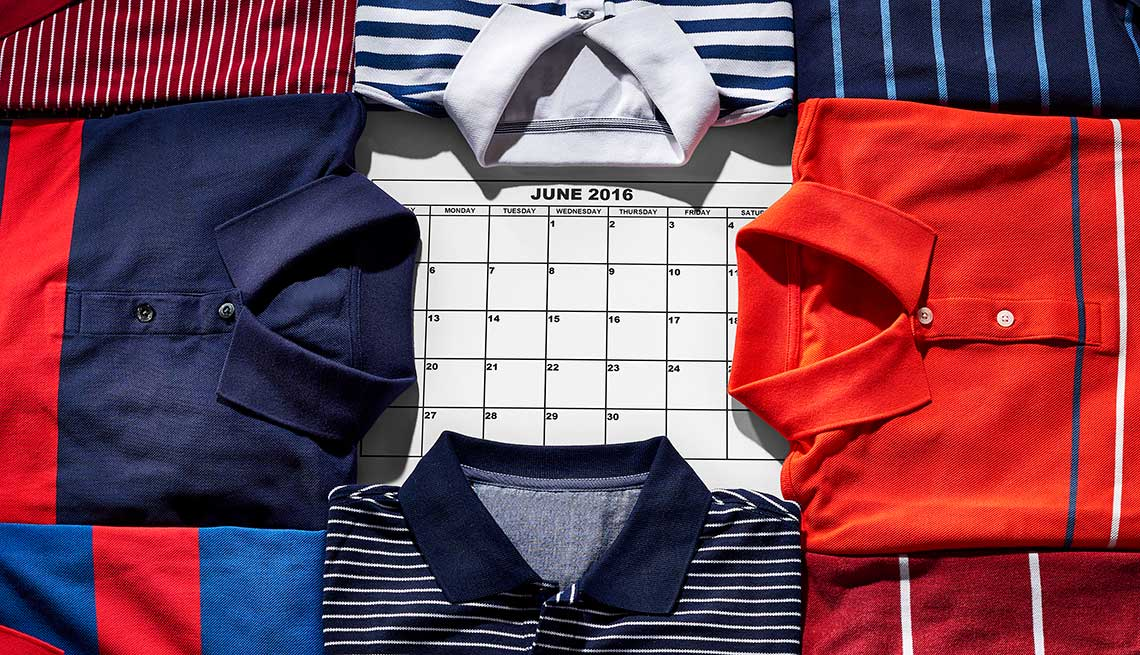 If you¹re looking for great clothing sales, July and January are the best times to shop.