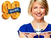 Retrato de la experta de viajes Samantha Brown con el logo de 99 formas de ahorrar