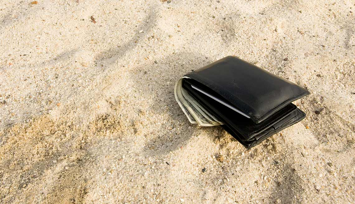 Summer spending mistakes - Wallet Lost