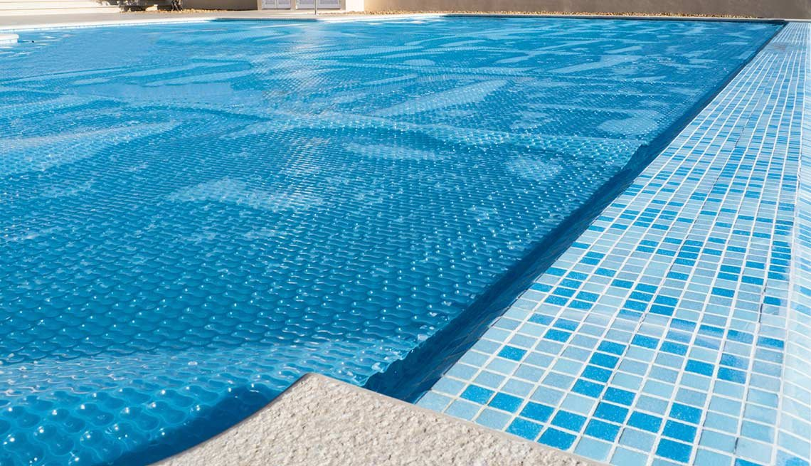 7 Tips to Save Big This Winter - solar pool cover