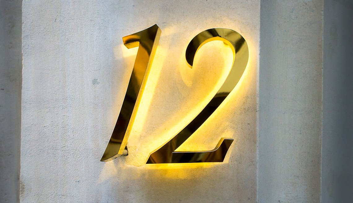 a large house number sign that can be easily read by emergency responders