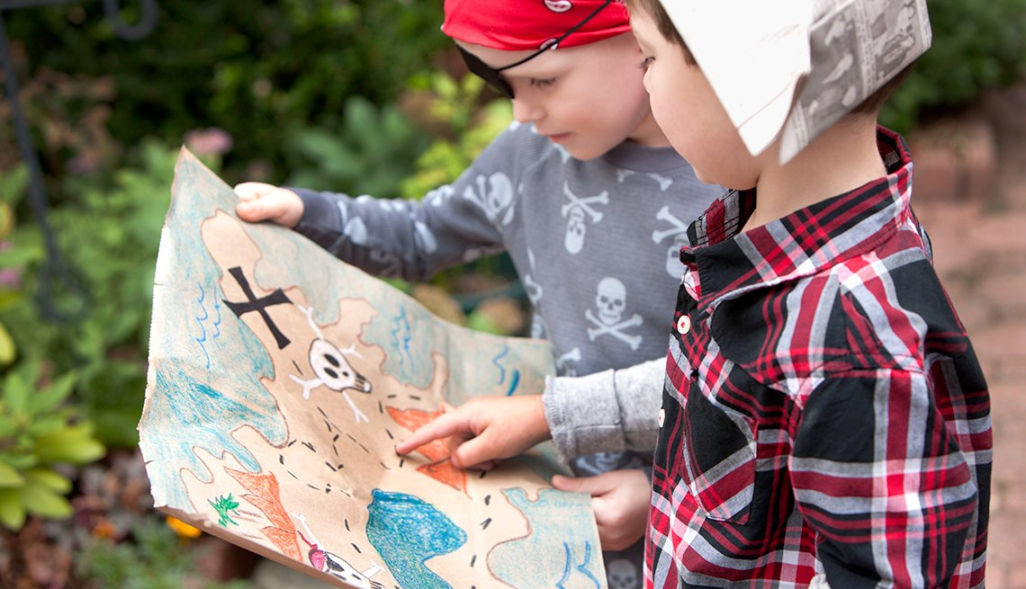 Fun Summer Things To Do With Grandkids - Neighborhood Treasure Hunt