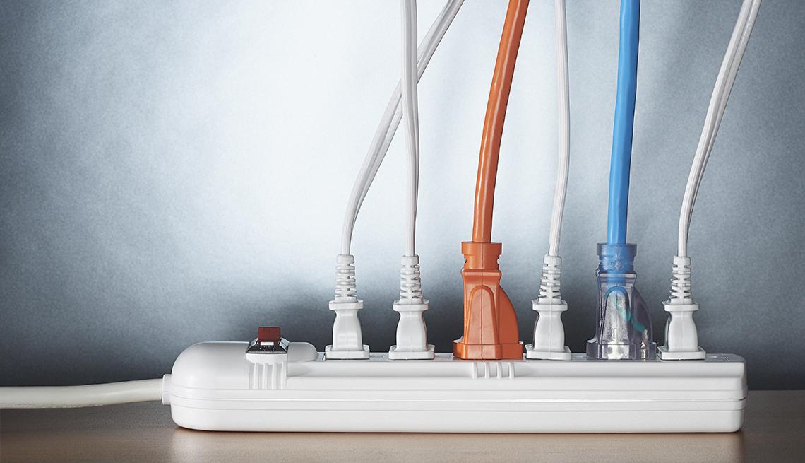 Base para colocar cables de poder de varios electrodomésticos - Cómo ahorrar 10 mil dólares al año