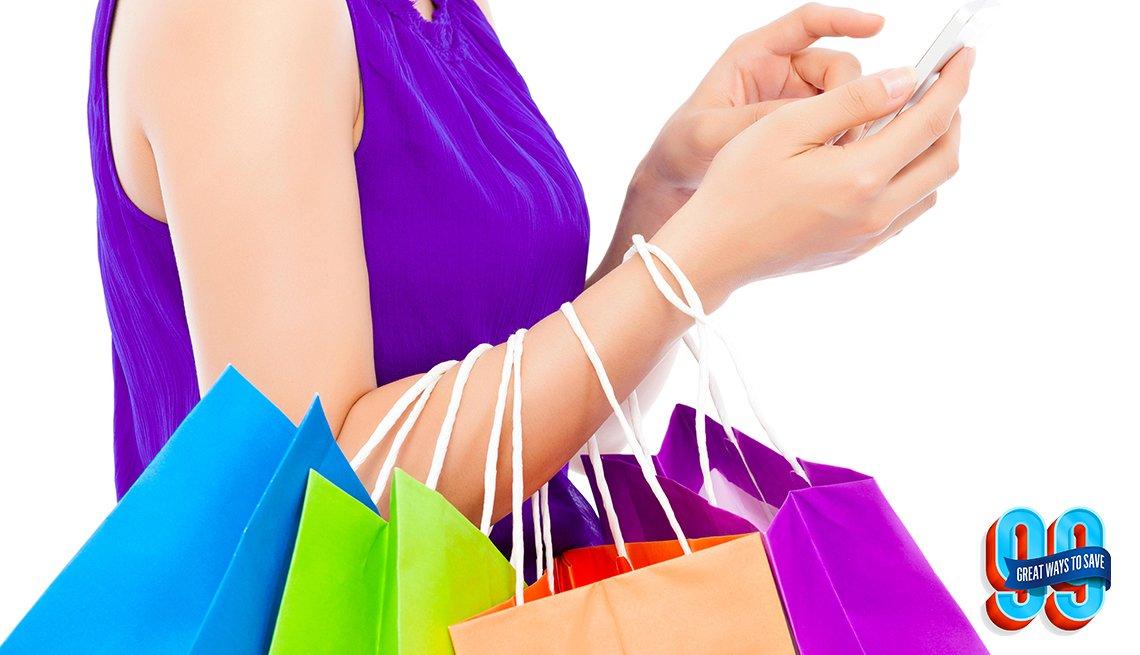 Mujer llevando bolsas de compras