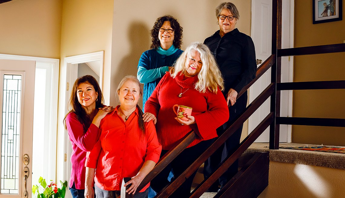 De izquierda a derecha: Christine Bowdish, Linda Simmons-Wilfert, Hester Schell, Grace Karen Sweet y Maggie Purtee