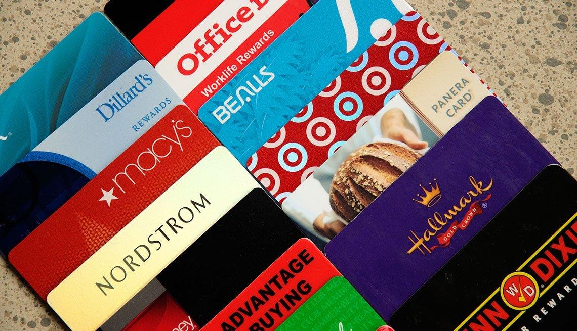 Tarjetas de consumidores leales de varias compañías.
