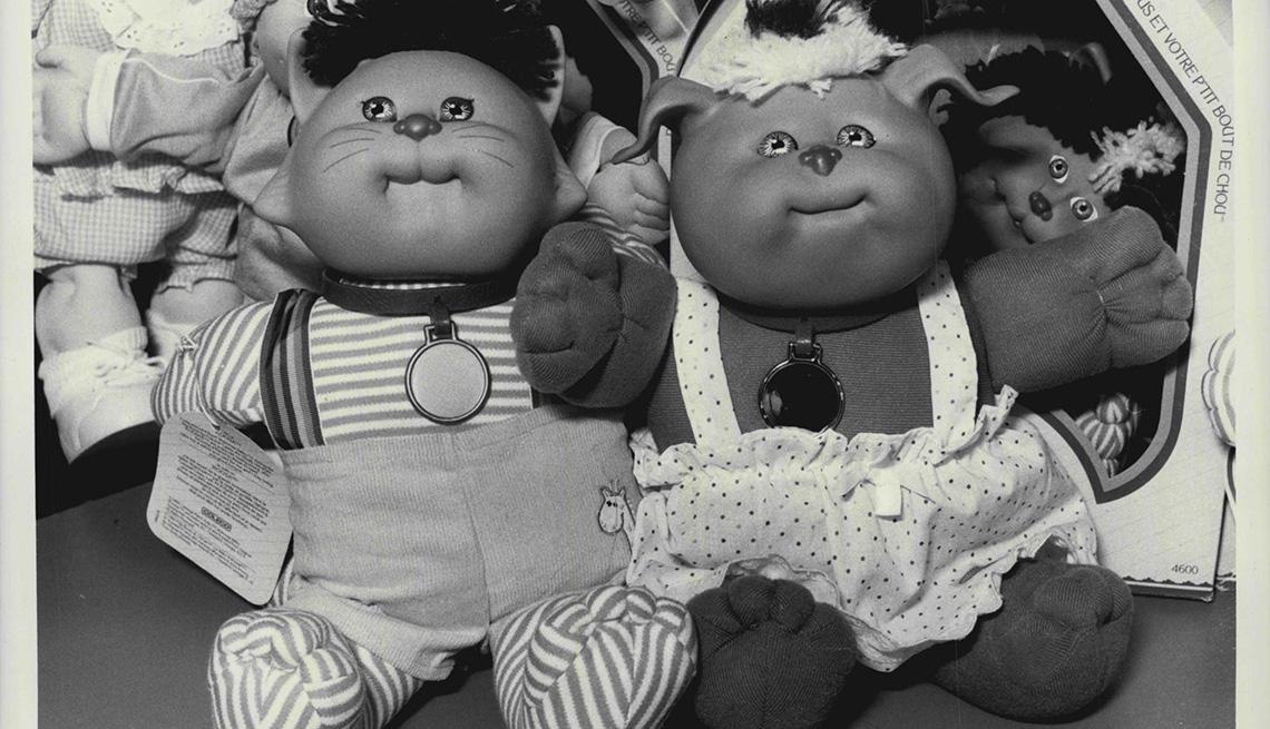 item 2 of Gallery image - Muñecas de repollo en una feria internacional de juguetes en 1985.