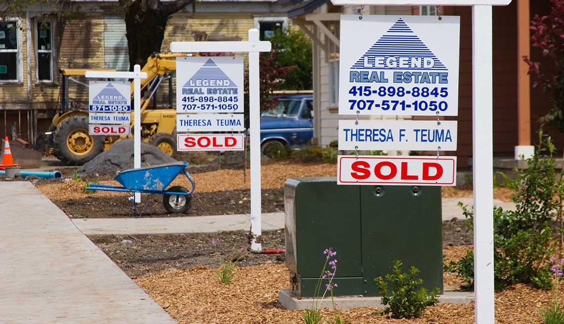 item 13 of Gallery image - Anuncios de ventas de casas que anuncian que fueran vendidas antes de estar terminadas.
