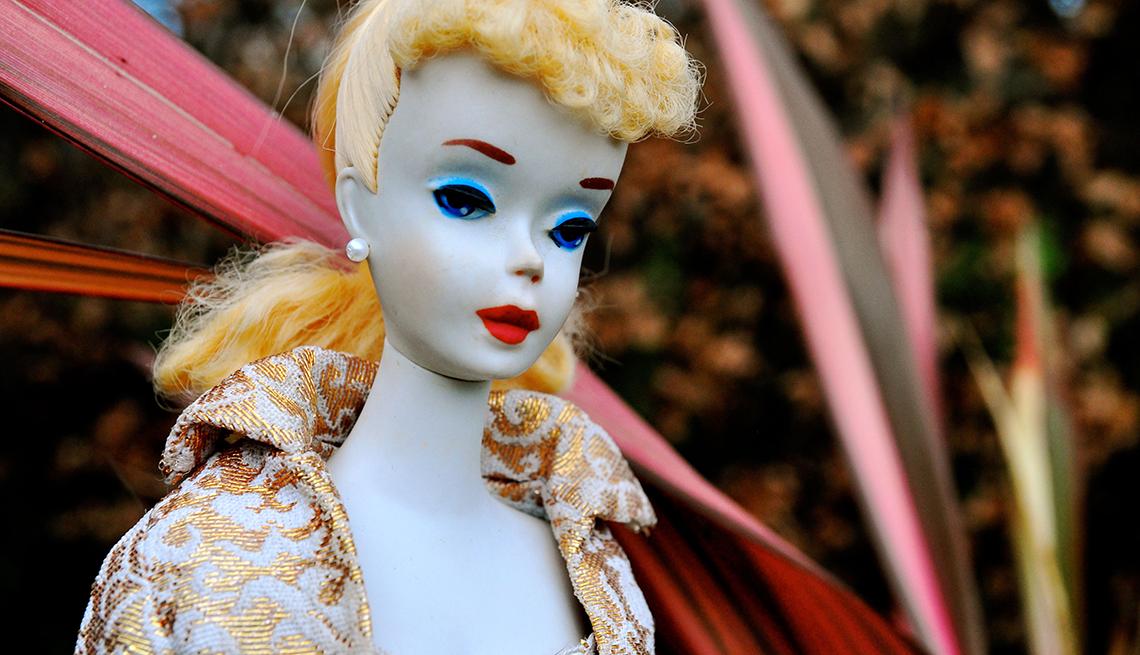 item 2 of Gallery image - Barbie de 1960.