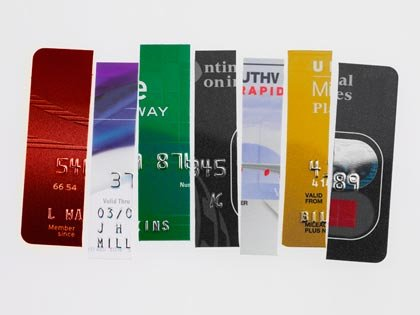Tarjetas de crédito cortadas