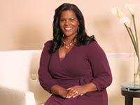 Lynnette Khalfani-Cox saldó sobre $100.000 en deudas personales.