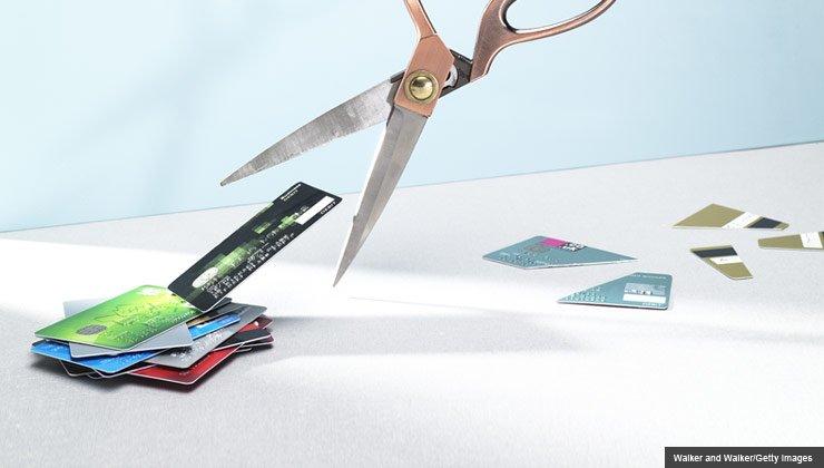 Cortar las tarjetas de crédito