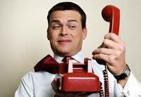 ¿Cómo lidiar con los cobradores de deudas complicados en el teléfono?