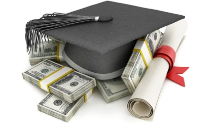 Graduation cap and money, 8 Hidden College Expenses