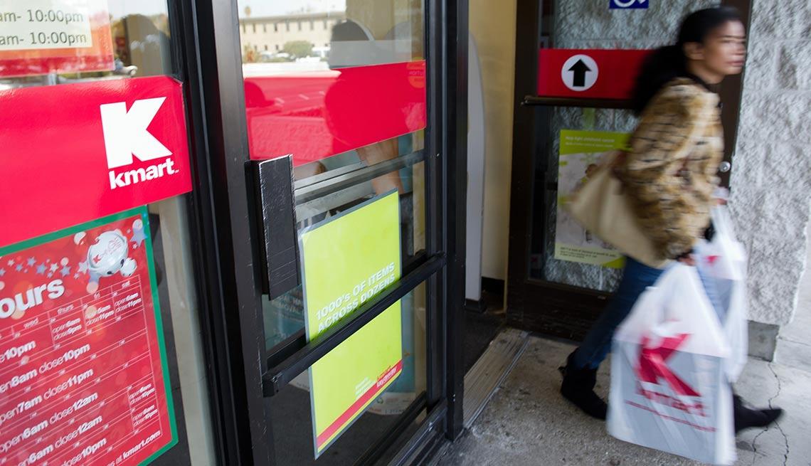Salida de una tienda de Kmart - Devoluciones de las compras de navidad
