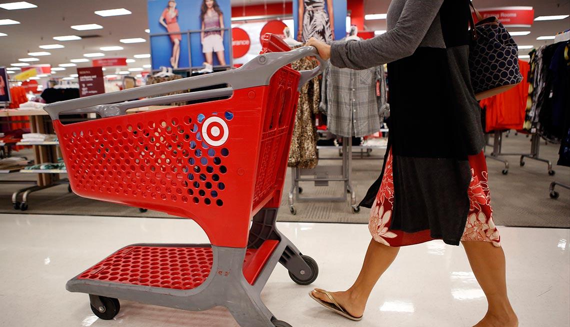 Interior de una tienda de Target - Devoluciones de las compras de navidad