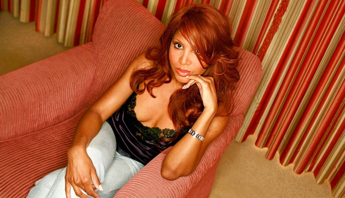 Celebrities Who Went Broke - Toni Braxton