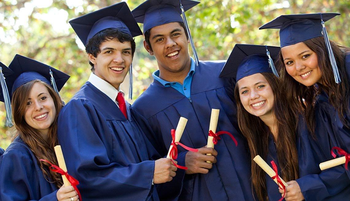 8 Hidden College Expenses - Graduation Fees