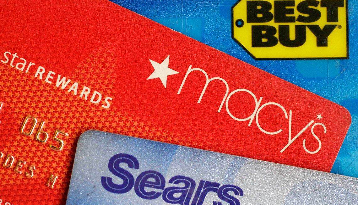 Imágenes de una tarjetas Best Buy, Macys, Sears y cómo manejarlas para construir tu crédito