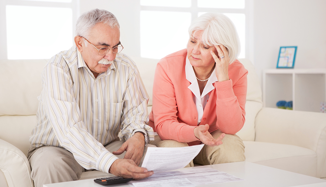 couple worrying about bankruptcy