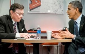 Bob Love, editor de AARP Magazine entrevista al presidente Barack Obama